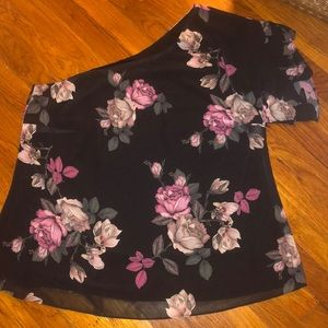 *NWT* City Chic One Shoulder Floral Top